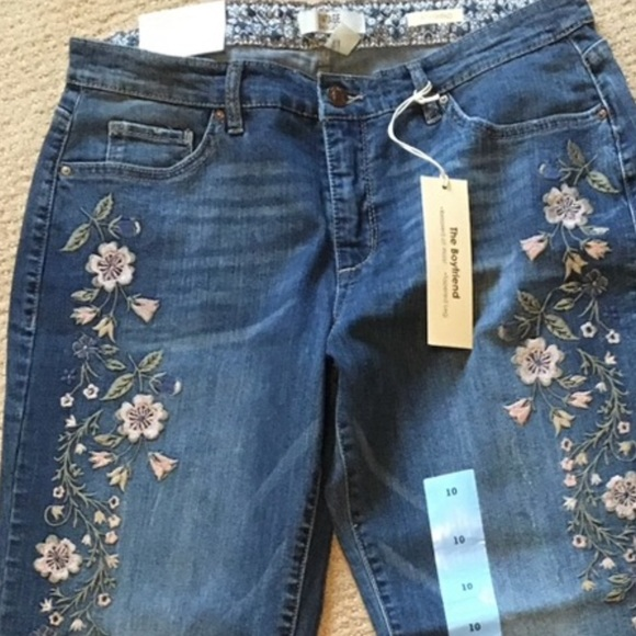 c1de7cef29f Vintage America Boyfriend Jean w Floral Embroidery